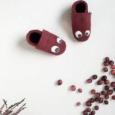 Schöne Wollpuschen für Kinder in Bordeauxe.