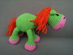 Amigurumi caballo colorines