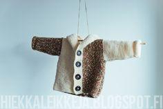 Kässänopen painajaisen neuletakki ja neulottu viltti vauvalle | Hiekkaleikkejä