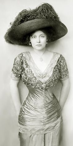 Grace La Rue - 1900's - Actress and Vocalist (1882-1956)