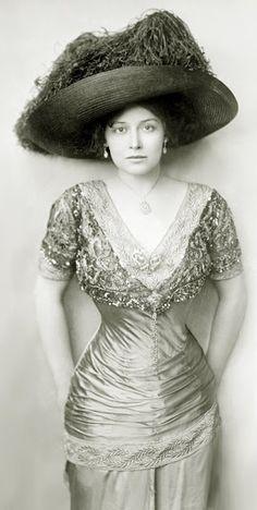 Grace La Rue - 1900's - Actress and Vocalist (1882-1956)