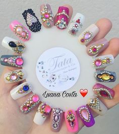 Good idea to show gem designs. Swarovski Nails, Crystal Nails, Rhinestone Nails, Bling Nails, Gem Nails, Diamond Nails, Fancy Nails, Love Nails, Perfect Nails