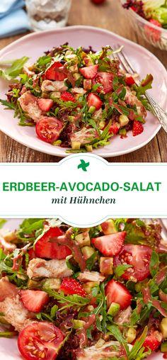Herzhaft gut: Thermomix ® Rezept für Erdbeer-Avocado-Salat mit Hühnchen. Ein kreativer Sommersalat für die Grillsaison.