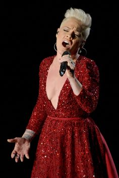 Pink's Wizard of Oz Tribute Song - Oscars 2014