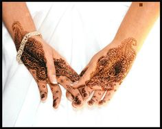 Henna Tattoo Qatar : Qatar henna the ladies only celebrate in bride s home
