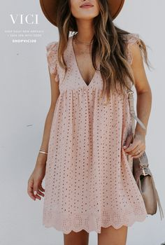 Casual Dresses for women - Buy online now Simple Dresses, Casual Dresses, Casual Outfits, Cute Outfits, Fashion Outfits, Summer Dresses, Fitted Dresses, Work Dresses, Fashion Belts