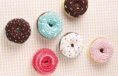 """Donuts aus """"Häkeln to go: Süße Kleinigkeiten"""""""