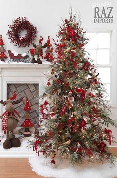 Cristhmas Tree Decorations Ideas : 25 Creative and Beautiful Christmas Tree Decorating Ideas Christmas Tree Design, Beautiful Christmas Trees, Christmas Tree Themes, Noel Christmas, Country Christmas, All Things Christmas, White Christmas, Christmas Ideas, Homemade Christmas