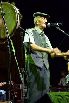 Carpino Folk Festival 2012, la voce di Zì 'Ntonj, carica ben 97 anni, ci ha fatto emozionare.