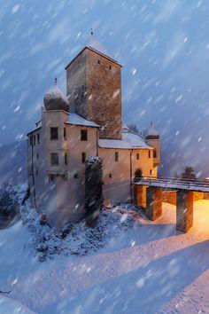 Snowstorm at Prunn Castle by Dustin Rüstig / 500px