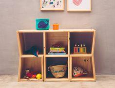 Como organizar brinquedos: 60 ideias para manter cada coisa no lugar Beautiful Home Designs, Beautiful Homes, Shelving, Bookcase, House Design, Interior Design, Living Room, Diy, Home Decor