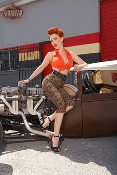 Rockabilly - Cars and Girls Car Girls, Pin Up Girls, Betty Boop, Pin Up Pictures, Retro Fashion, Vintage Fashion, Modern Pin Up, Rockabilly Pin Up, Pin Up Photography