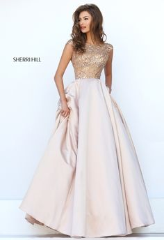Sherri Hill dresses are designer gowns for television and film stars. Find out why her prom dresses and couture dresses are the choice of young Hollywood. Sherri Hill Prom Dresses, Grad Dresses, Pageant Dresses, Dance Dresses, Bridesmaid Dresses, Long Dresses, Modest Prom Dresses, Dresses 2016, Dress Long