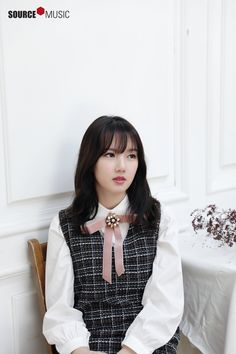 Long sleek straight hairstyles with awesome blunt bangs to make you look stunning in 2017 Kpop Girl Groups, Kpop Girls, You Look Stunning, Cloud Dancer, G Friend, Entertainment, Girl Bands, Korean Singer, Straight Hairstyles