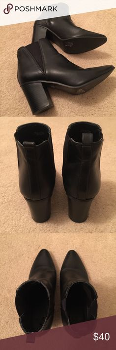‼️BLACK ANKLE BOOTS‼️ These black ankle Chelsea boots are in GREAT CONDITION❗️They have only been worn a few times. The inch on these boots is about 2.5-3 inches tall. Listed under zara for exposure Zara Shoes Ankle Boots & Booties