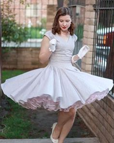Frances started twirling her dresses in May 2012 but stopped that early 2015 Rockabilly Outfits, Girly Outfits, Pretty Outfits, Pretty Dresses, Dreamboats And Petticoats, Tulle Dress, Dress Skirt, Burlesque Vintage, 1950s Fashion Dresses