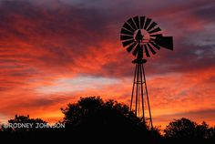 Sunrise Windmill  Texas Sunrises and Sunsets Rodney Johnson Photography Photos are copyrighted by their respective owners. All rights reserved. Unauthorized use prohibited.