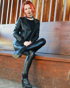 Minus the leather pants lol Leather Trousers, Leather Boots, Leather Jacket, Shiny Leggings, Tight Leggings, Moda Rock, Female Dragon, Dragon Eye, Leder Outfits
