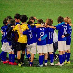 Equipa muito unida!!! Nas vitorias e nas derrotas!! Uma grande escola de espírito e união de grupo.