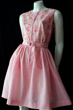 Pink gingham vintage dress by Swirl. Never worn with original swing tags. Vintage clothing in this condition are a rare find. 1950s Fashion Women, Vintage Fashion, Vintage Dresses, Vintage Outfits, Vintage Clothing Online, Pink Gingham, Vintage Tags, Feminine Style, Short Girls