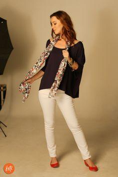 Nathalia Dill veste calça color branca e blusa ampla do Lets!