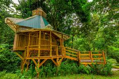 Photos of treehouse exteriors at Finca Bellavista