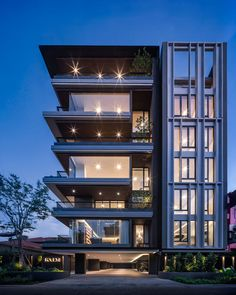 Architektur KALM Penthouse KALM Penthouse Wison Tungthunya & W Workspace The post KALM Penthouse appeared first on Architektur. Architecture Building Design, Building Facade, Facade Design, Computer Architecture, Landscape Architecture, Interior Architecture, Building Ideas, Architecture Names, Modern Residential Architecture