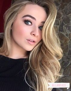 Sabrina Carpenter//#sabrinacarpenter