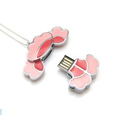 PlumBlossom USB Necklace by hyomi