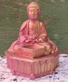 Upcycled with pink paing and a gold glitter finish. Buddha is tall. Gypsy Room, Candle Scent Oil, Essential Oil Scents, Bohemian Art, Incense Burner, Texture Painting, Vintage Metal, Buddhism, Statue
