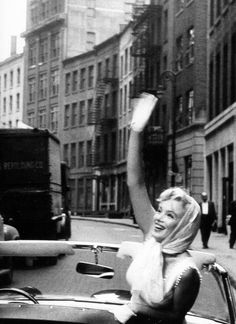 Marilyn Monroe in New York, 1957. Photo: Sam Shaw.