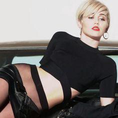 Miley cyrus upskirt photo free — img 11