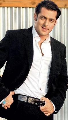 Most Handsome Actors, Handsome Man, Salman Khan Wallpapers, Shahrukh Khan And Kajol, Salman Khan Photo, Katrina Kaif Photo, National Film Awards, Atif Aslam, Indian Star