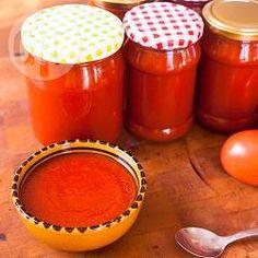 Molho ketchup caseiro @ allrecipes.com.br - Ketchup caseiro delicioso, sem conservantes. Você pode fazer e guardar para ter durante o ano todo!
