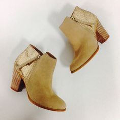 Location: Roseville FreeStyle Boots: Size 8, $35