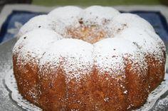 Karácsonyra szeretnél egy fenséges kuglófot készíteni? Megmutatjuk a legkönnyebb receptet! Hozzávalók: 10 dkg vaj 8 dkg porcukor 28 dkg liszt 1 tasak sütőpor 1 citrom[...] Hungarian Desserts, Hungarian Recipes, Smoothie Fruit, Cheesecake Pops, Savarin, Christmas Cooking, Holiday Baking, Love Food, Cookie Recipes