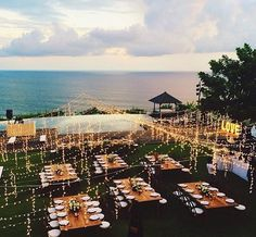 Beautiful wedding design near the beach ❤️ Gotta love it