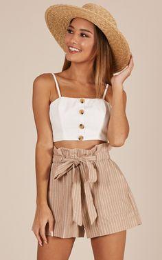 All Rounder Shorts In Beige Stripe Produced By SHOWPO, You can find the perfect accessory here: www.de / … Maldives & # 17 – leonie males – haute couture, VSCO – bridgetryann VSCO – bridgetryann cute swimsutis for women, sexy beach wear for … Summer Fashion Outfits, Cute Summer Outfits, Girly Outfits, Cute Casual Outfits, Short Outfits, Teen Fashion, Spring Outfits, Summer Clothes, Beach Clothes
