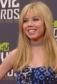Jennette McCurdy 2013 MTV Movie Awards Fashion Red Carpet Arrivals (Video)