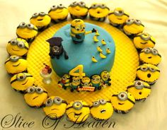 Minion  cupcakes based on the minion game….the minion rush ~ matching cake  ~ all edible and really cute!