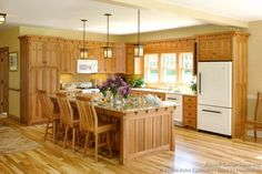 Pic 2 of 2 Traditional Light Wood Kitchen Cabinets #01 (Crown-Point.com, Kitchen-Design-Ideas.org)