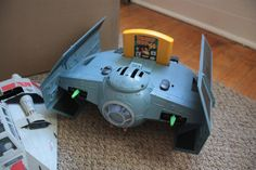 This is the BEST LOOKING N64 CASE MOD I'VE EVER SEEN! Look at that! It's looks like a tie fighter from Star Wars!