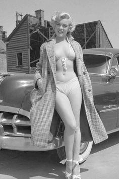 Young Marilyn Monroe, Marilyn Monroe Portrait, Marilyn Monroe Photos, Marilyn Monroe Swimsuit, Hollywood Glamour, Classic Hollywood, Film Noir Fotografie, Looks Pinterest, Photographie Portrait Inspiration