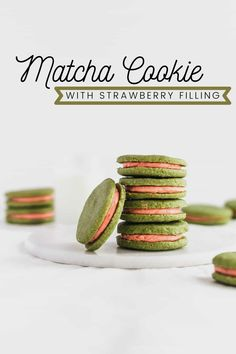 Matcha and Strawberry Matcha Cookies, Matcha Tea Powder, Traditional Bowls, Organic Matcha, Strawberry Filling, Healthy Drinks, Cupcake, Deserts, Postres