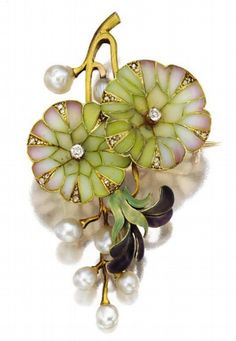 ART NOUVEAU GOLD, PLIQUE-À-JOUR ENAMEL AND PEARL PENDANT-BROOCH, CIRCA 1900. Designed as a spray of morning glories, the petals accented with rose, white and green plique-à-jour enamel and translucent purple enamel, decorated further with small old-mine and rose-cut diamonds and baroque pearls.