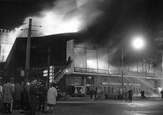 Das Theater am Aegi hat sich von außen optisch kaum verändert. Doch nach dem großen Brand am 20. Dezember 1964, als das Gebäude völlig ausbrannte, musste es in seinem Inneren von Grund auf saniert werden | Quelle: Wilhelm Hauschild