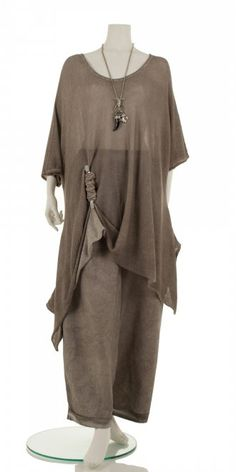 Fabulous new season taupe  summer organic cotton asymmetric knit from our top plus size lagenlook designer Barbara Speer. Comes complete with it's own funky ingenious clip to create your own unique style. Available to buy at www.idaretobe.com