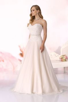 Wedding dress Lucy from the Affinity collection