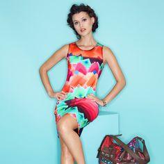 Robe sans manches imprimé graphique multicolore femme DESIGUAL Imprimé  Graphique, Habillement Femme, Robes Sans 9de4eb5379bc