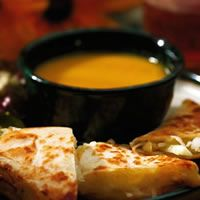 Think I'll try this tomorrow night!     Curried Carrot and Apple Soup Recipe